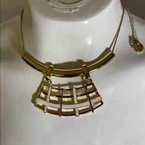 NWT Erica Lyons gold /white lattice necklace